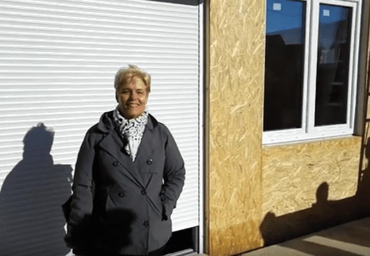 Redőnymotor-próba napsütésben - dr. Keller Judit, Keller Családi Ház Balatonmáriafürdő