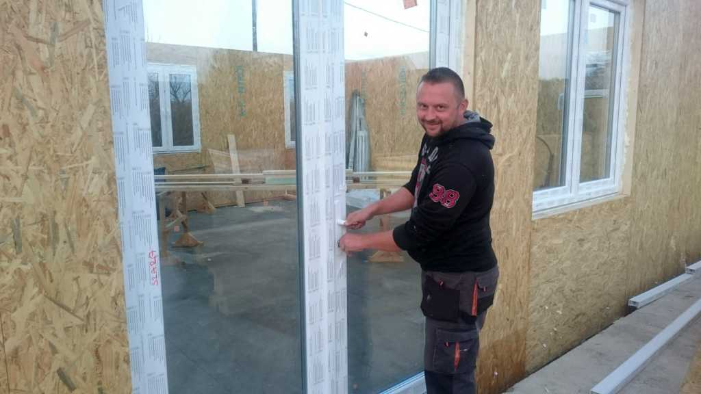Nyílászárók beépítve - Keller Családi Ház, Balatonmáriafürdő